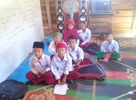 SD Madrasah Ibtidaiyah Alkhairaat Bangga