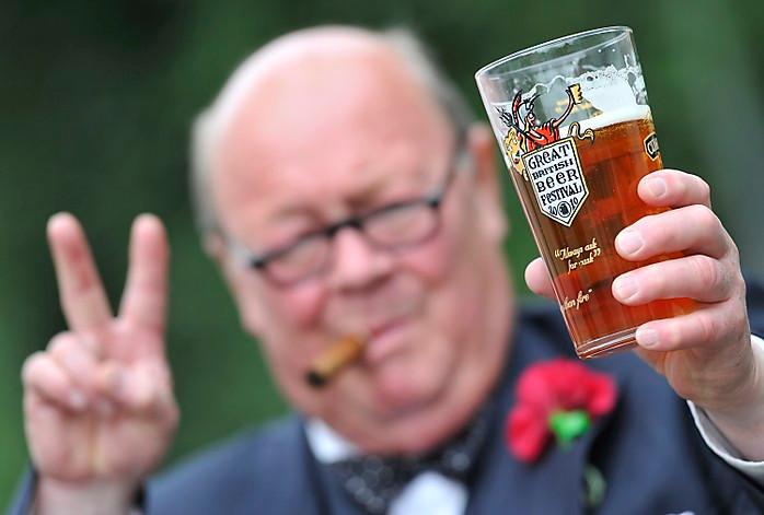winston churchill, beer, Carlsberg