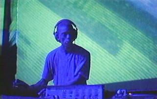 UNIVERSAL TECHNO (1996)