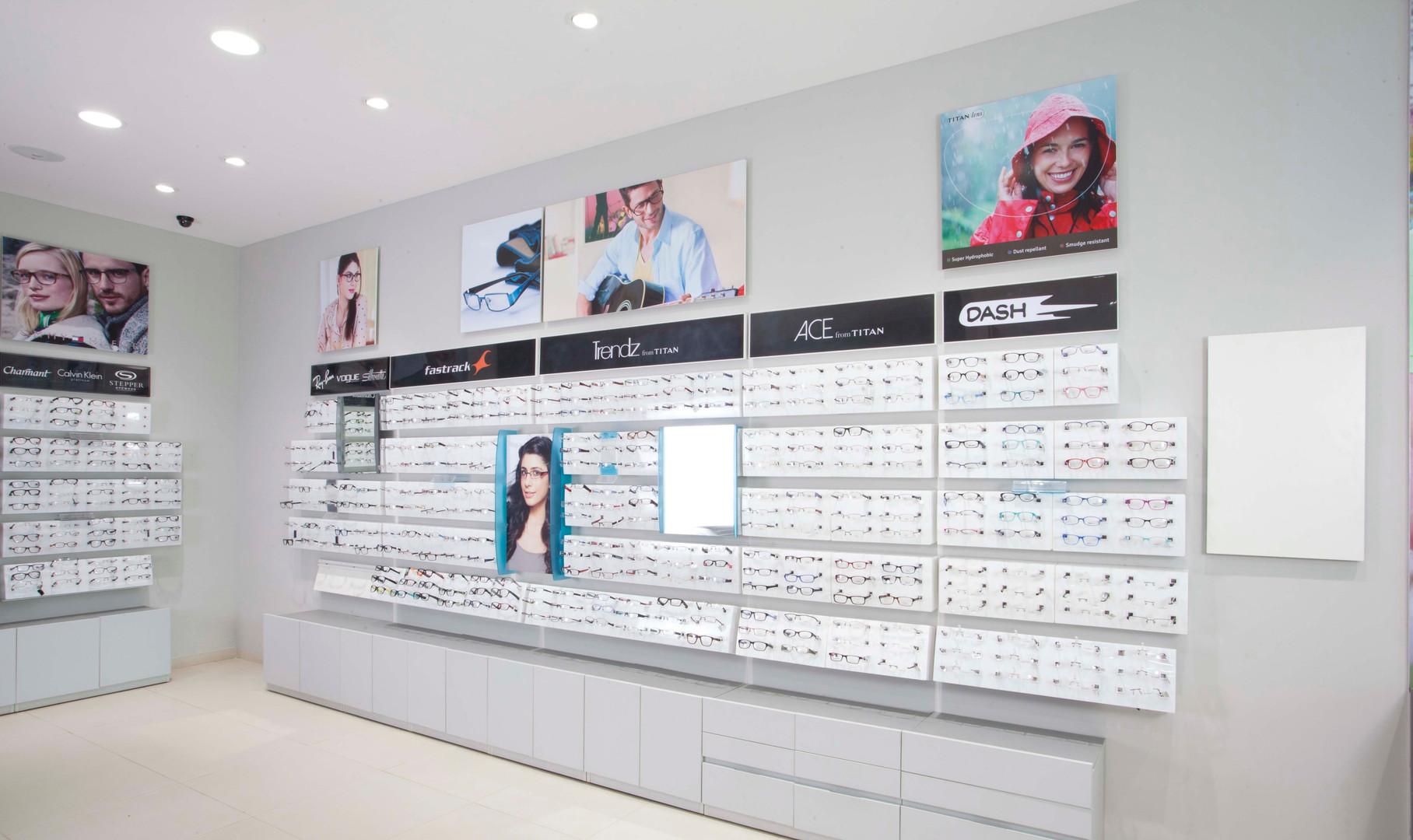 Titan Eye Plus Pilot Store