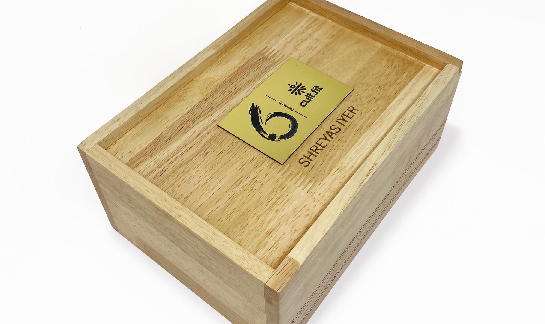 Six Cricket Hamper Box