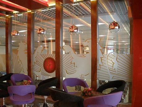 UB Bar at Mumbai Airport - Environment Graphics
