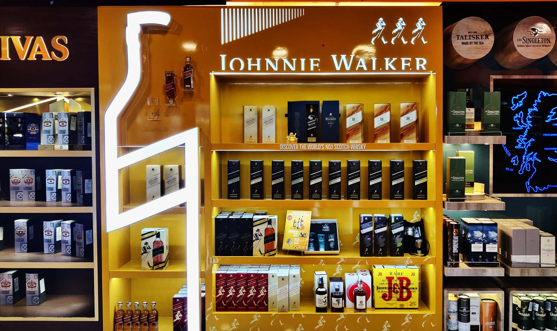 Johnnie Walker Wall Bay