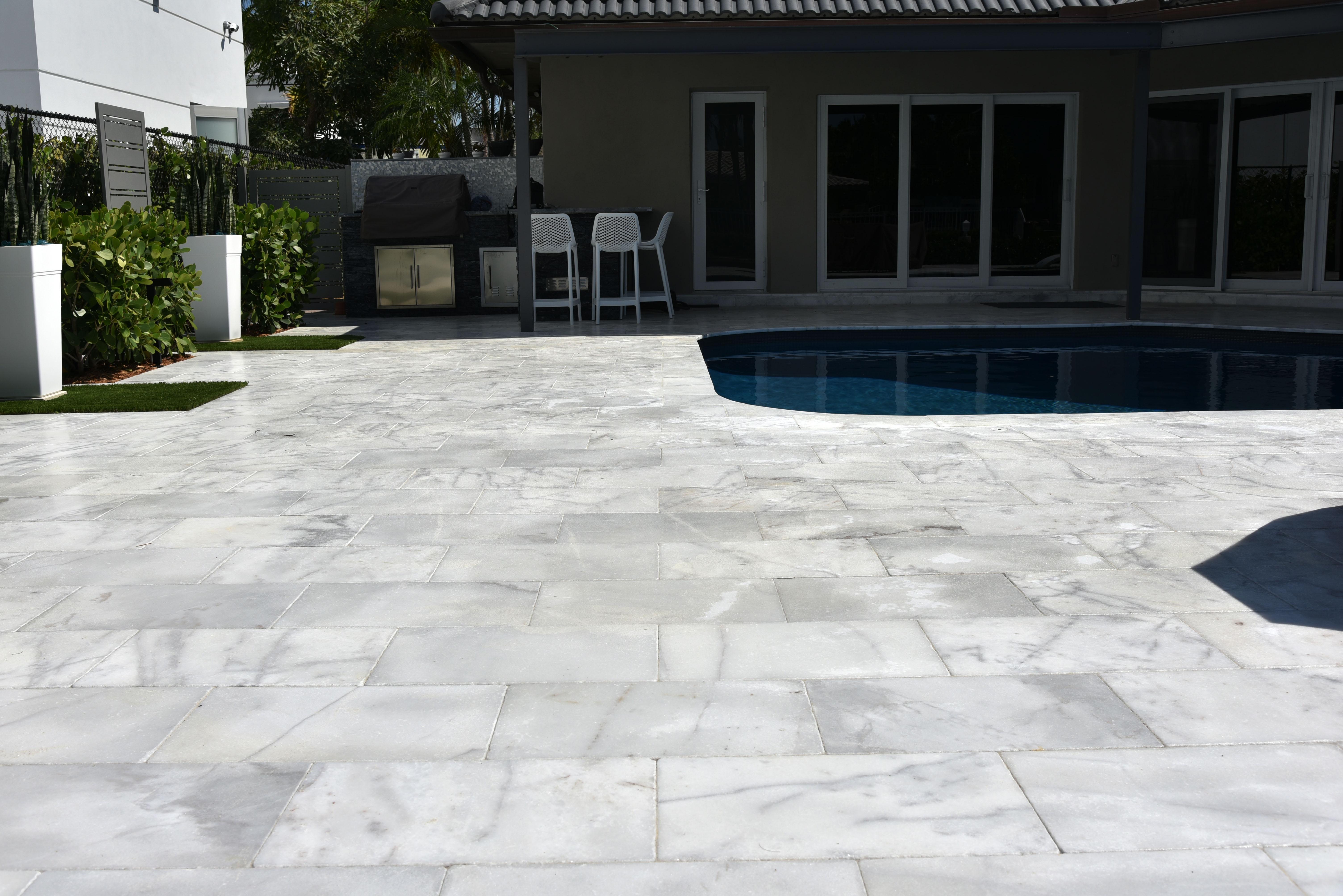 Ice Marble 16x24 Deck