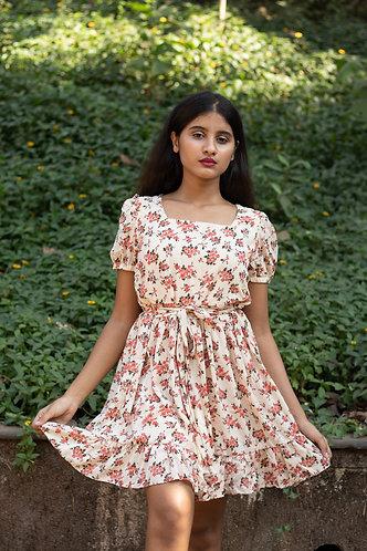 Casual floral half sleeves dress.