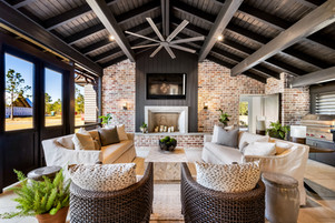 52 Covered Patio.jpg