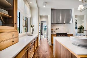 22g Kitchen.jpg