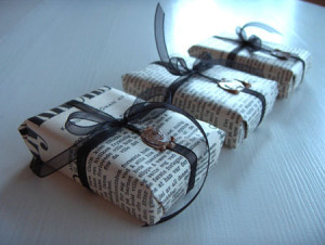 Tips for Holiday Waste Reduction and Sustainable Gift Giving