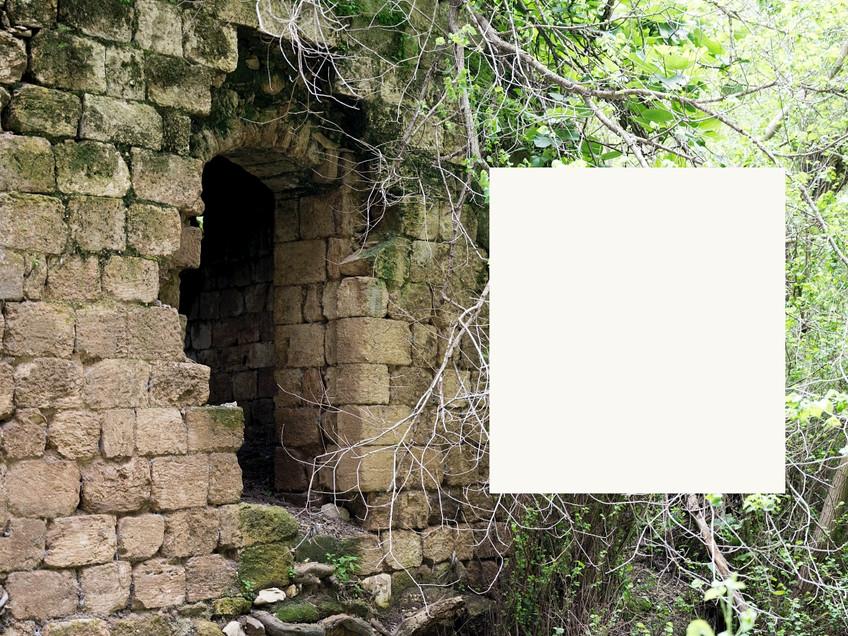 Web_al ajjun ruined house window DSC_123