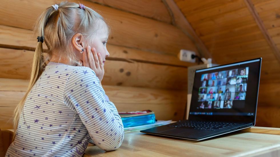 kid-child-home-indoor-laptop-quarantine-