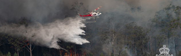 NSW RFS helicopter water bombing.jpg