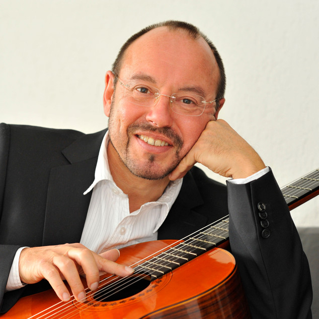 Michael Erni - classical guitar.jpg