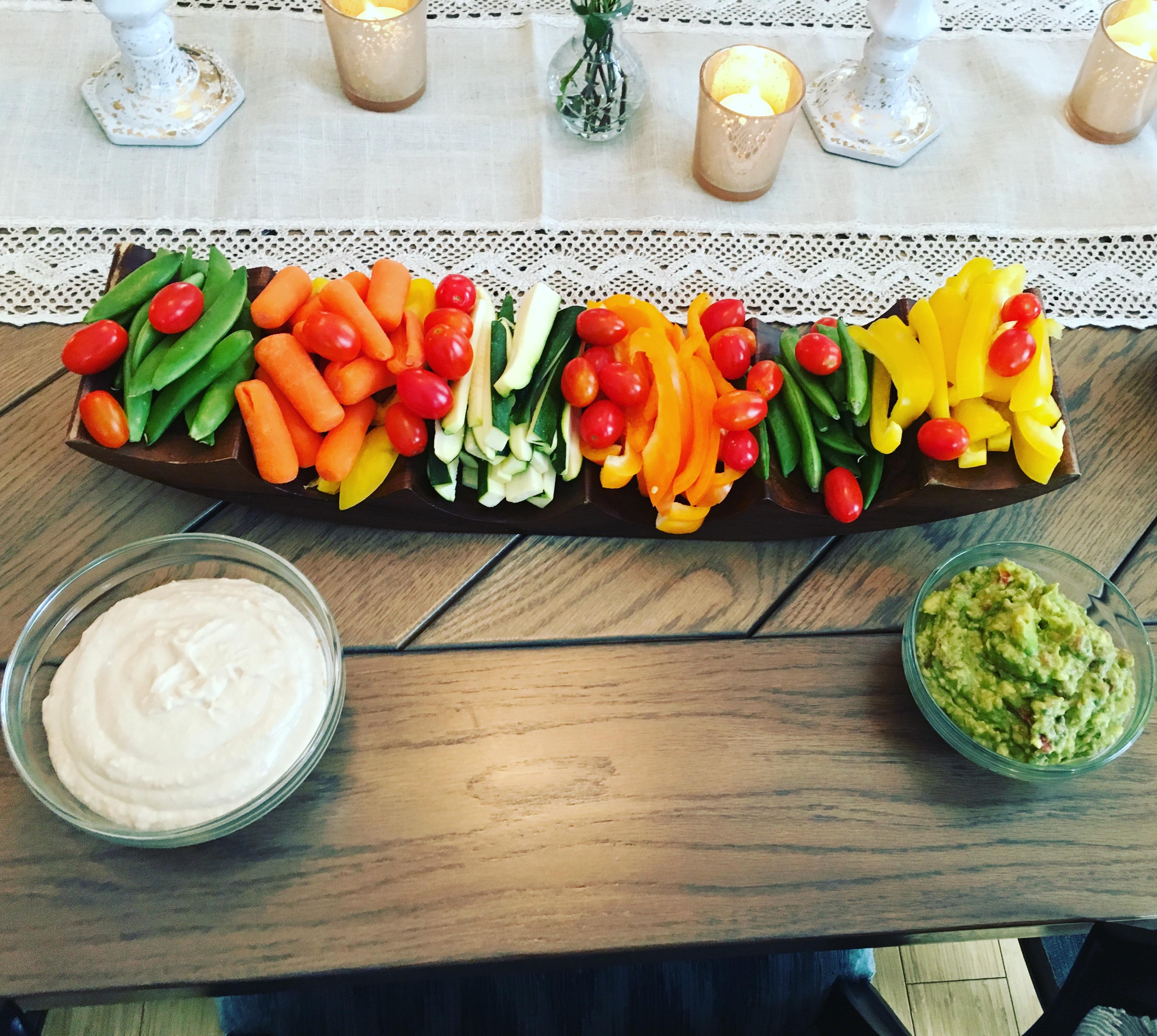Veggie platter with hummus & guac