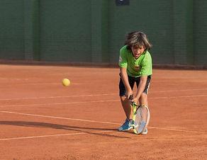 Aprende Tenis niños bogota. Bolapunto verde