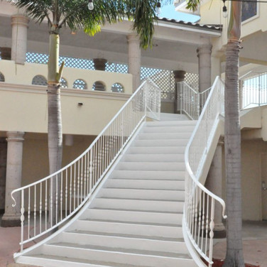 facility-rental-courtyard-4-680x1024.jpg