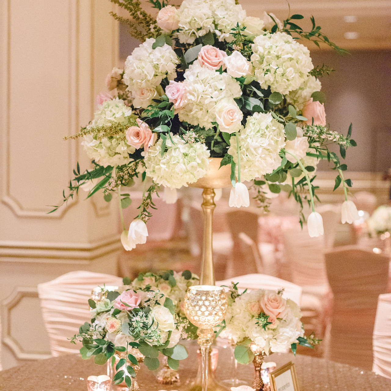 Floral Centerpiece and Linens