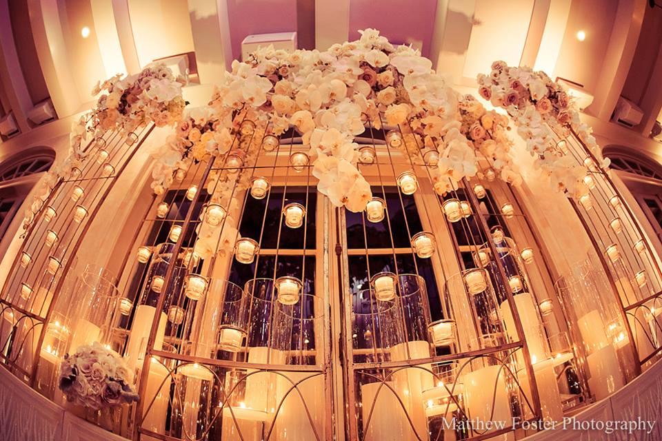cake display wedding flowers