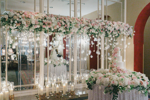 wedding venue is the omni royal orleans. wedding florist is nola flora. wedding flowers. wedding photographer is gk photography, george kuchler photography, wedding planner is emily sullivan events, lovestruck linens, destination wedding, new orleans wedding planner, louisiana.