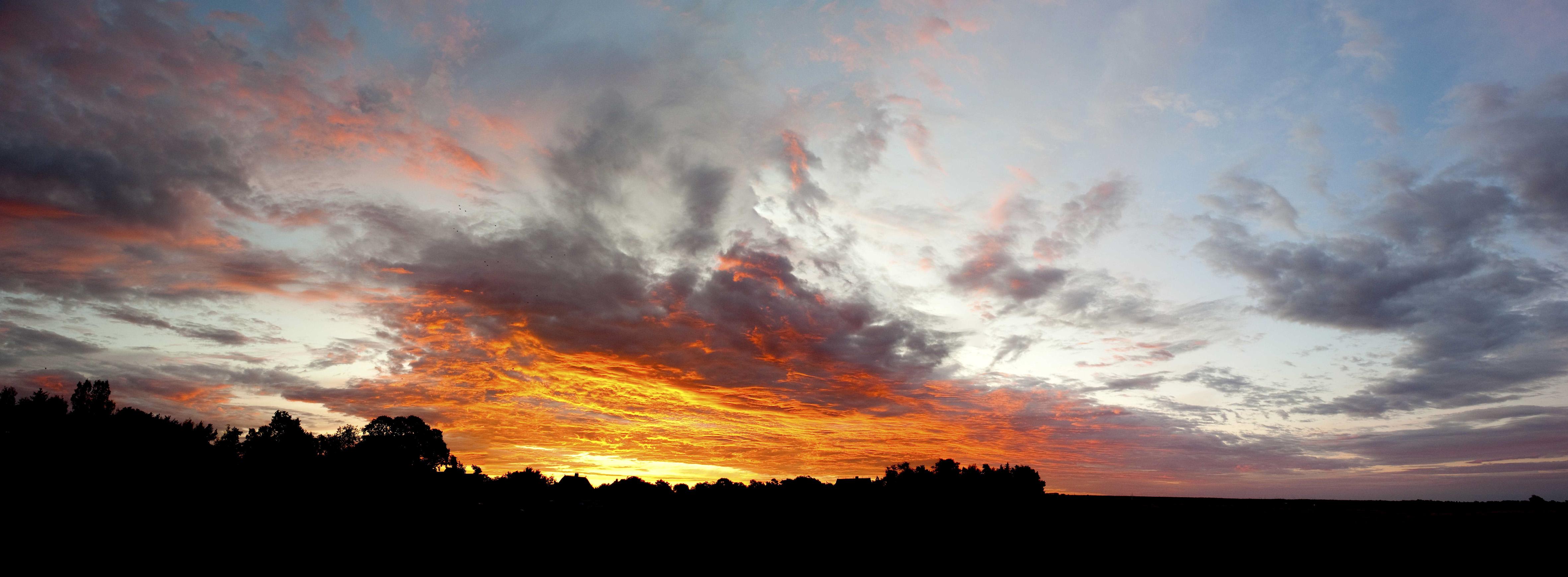Himmel am Morgen über Born, DE ©Johannes Ratermann