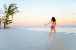 Springend am weissen Strand ©Johannes Ratermann