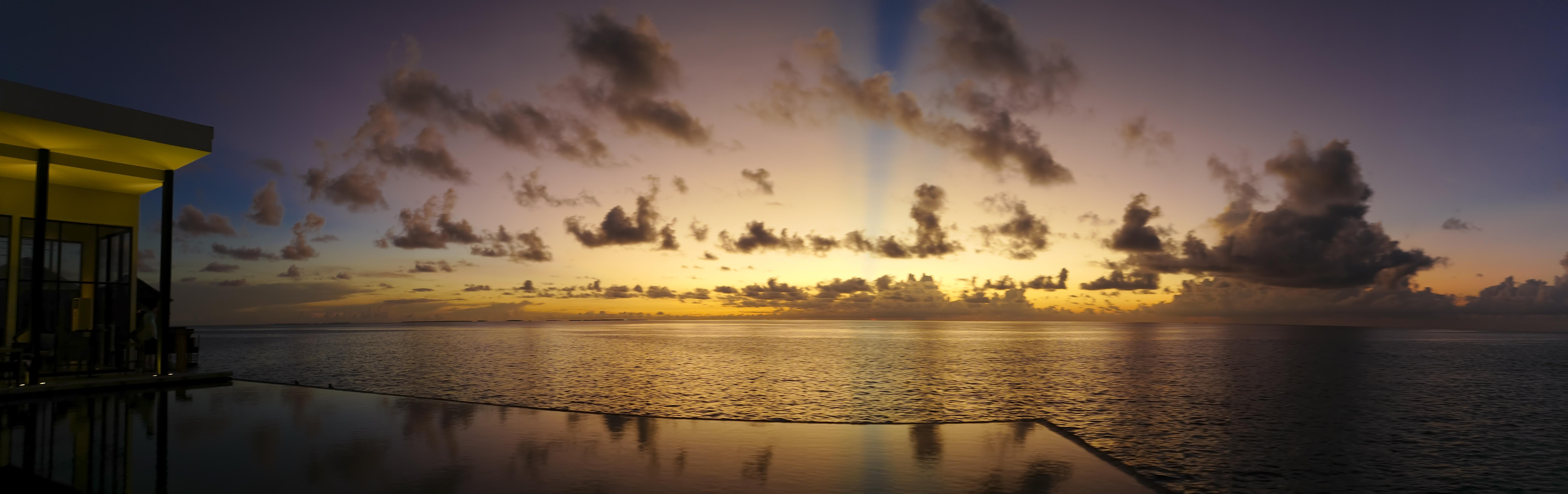 Sonnenuntergang im indischen Ocean ©Joha