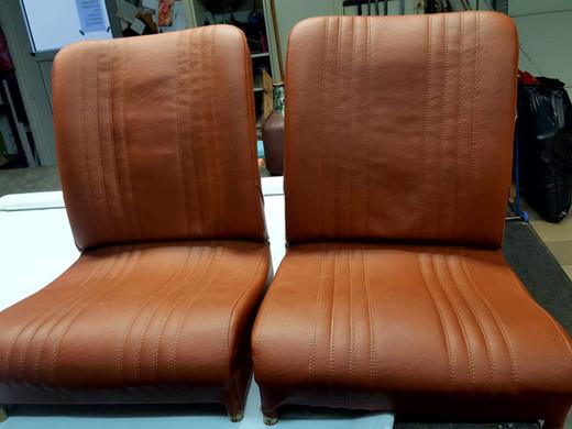 Sitze neu bezogen