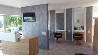 Neugestaltung Friseur: Boden, Tapeten, Raumkonzept