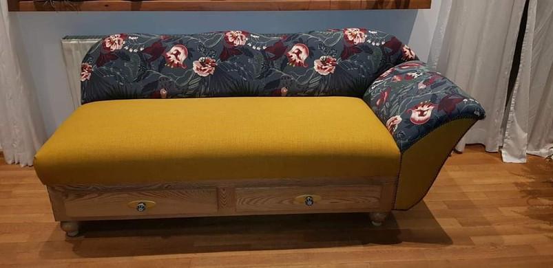Sofa neu gepolstert und bezogen.jpg