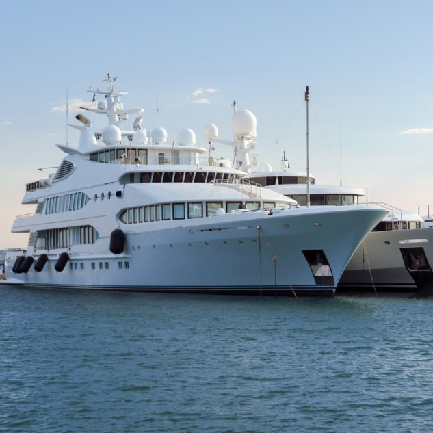cannes-luxury-yacht-in-port-picture-id10