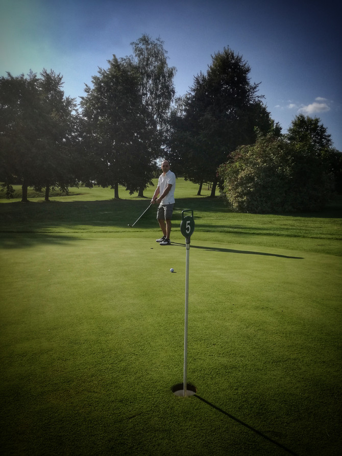 GOLFEN MIT FREUNDEN: Das ist das Motto unseres Golfabends im August am 30.08.2018