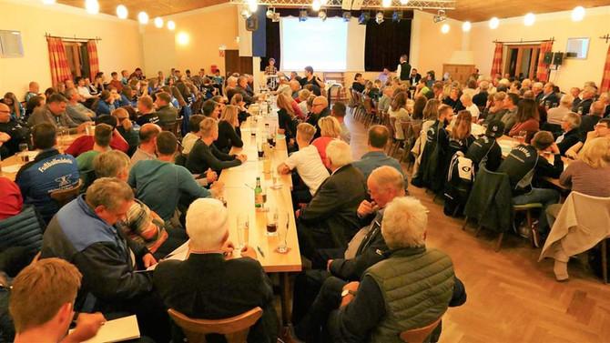 VOLLES HAUS BEIM TSV: Mitgliederversammlung 2018 vor großem Publikum