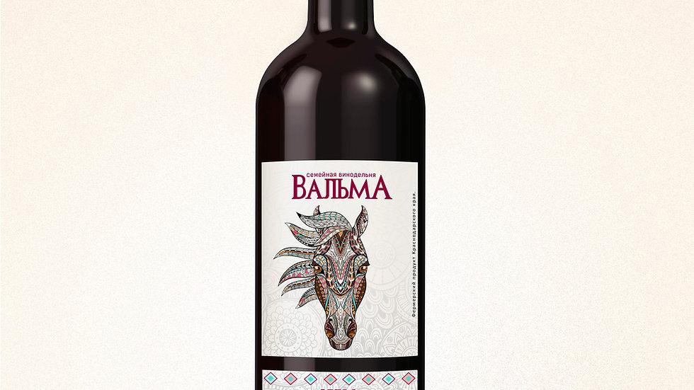 Вино полусухое красное Ретро