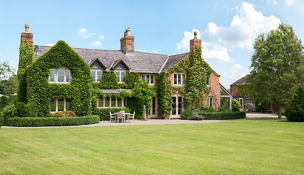 large-luxury-self-catering-country-manor