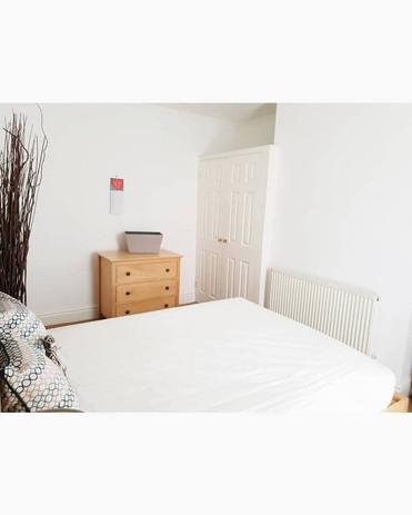 bedroom1a2.jpg