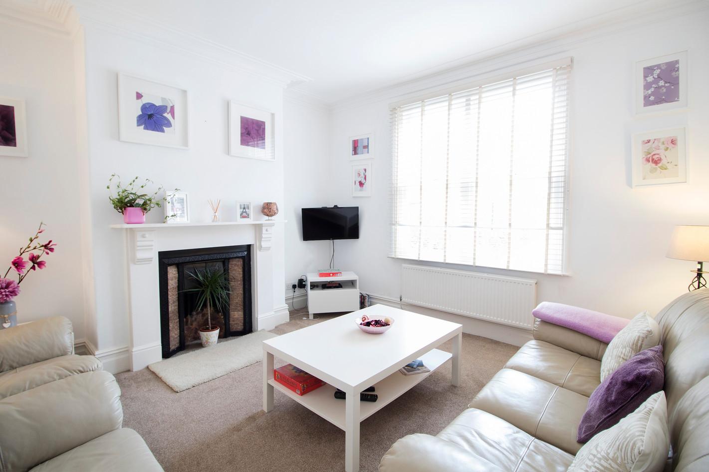 livingroom2WEB.jpg