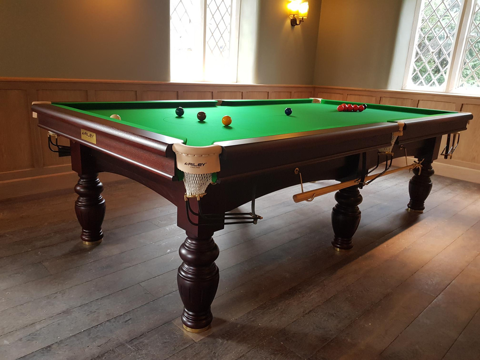 snooker-table-piss-katie-price-strapon