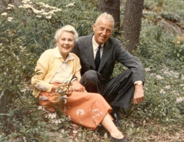 Bill_and_Lois_garden_1960-final-e1580853