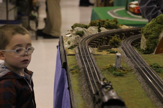 2016-RMR-Annual-Train-Show-O-Gauge-026.j