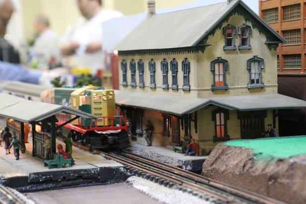 2016-RMR-Annual-Train-Show-O-Gauge-015.j