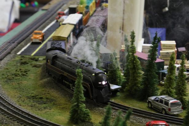 2016-RMR-Annual-Train-Show-O-Gauge-023.j