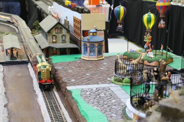 2016-RMR-Annual-Train-Show-O-Gauge-030.j