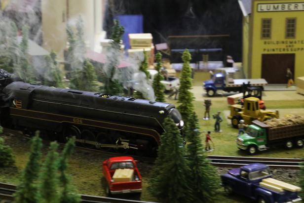 2016-RMR-Annual-Train-Show-O-Gauge-024.j