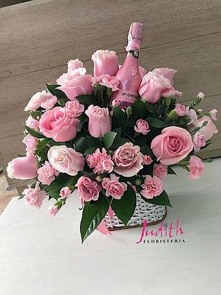 T103- Canasta en rosas y Champagne