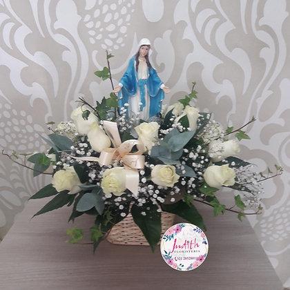 F53- Canasta en Rosas e imagen de la Santísima Virgen