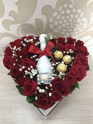 T118- Corazón en rosas