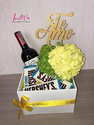 T89- Caja Madera Vino y Chocolates