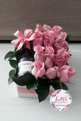 T117- Caja Rosas y Vino