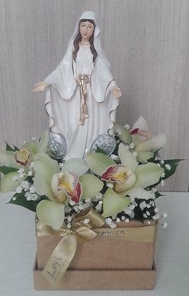 F47- Cajón en madera con la Santisima Virgen