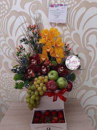 T114- Cajonera con orquídeas y frutas