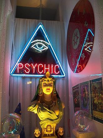 psychic-72085_960_720.jpg